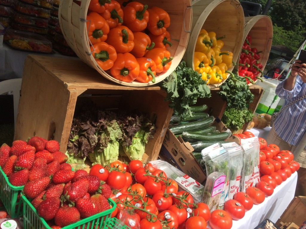 June is National FRESH Fruit and Veggie month!