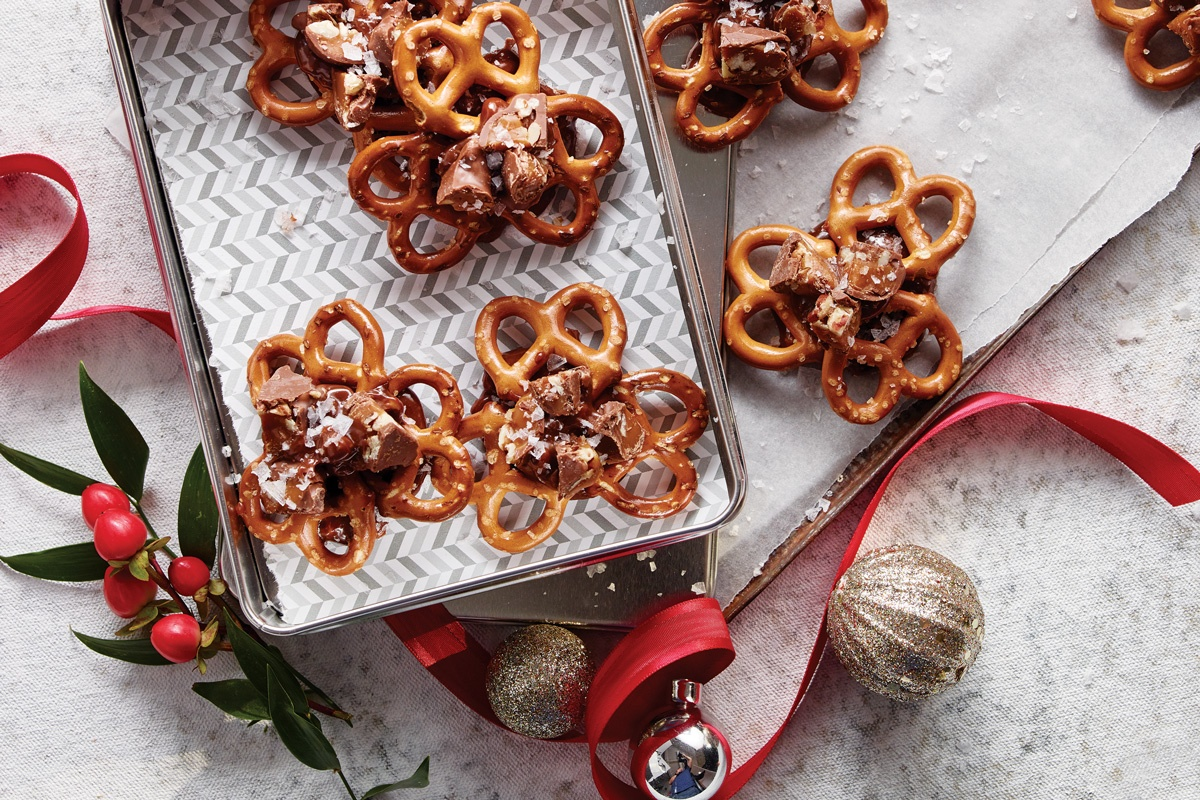 December-Turtles-Sweet-And-Salty-Pretzels-Recipe.jpg