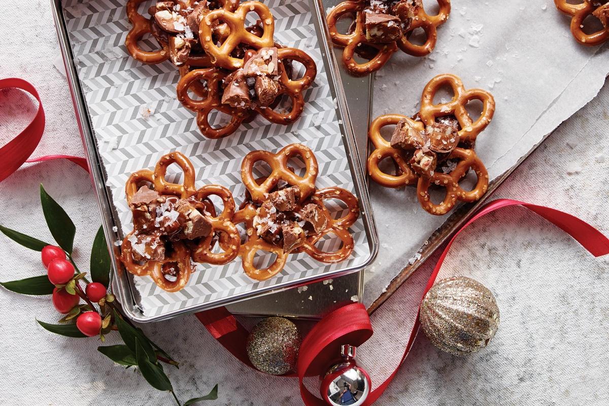 December-Turtles-Sweet-And-Salty-Pretzels-Recipe.jpg